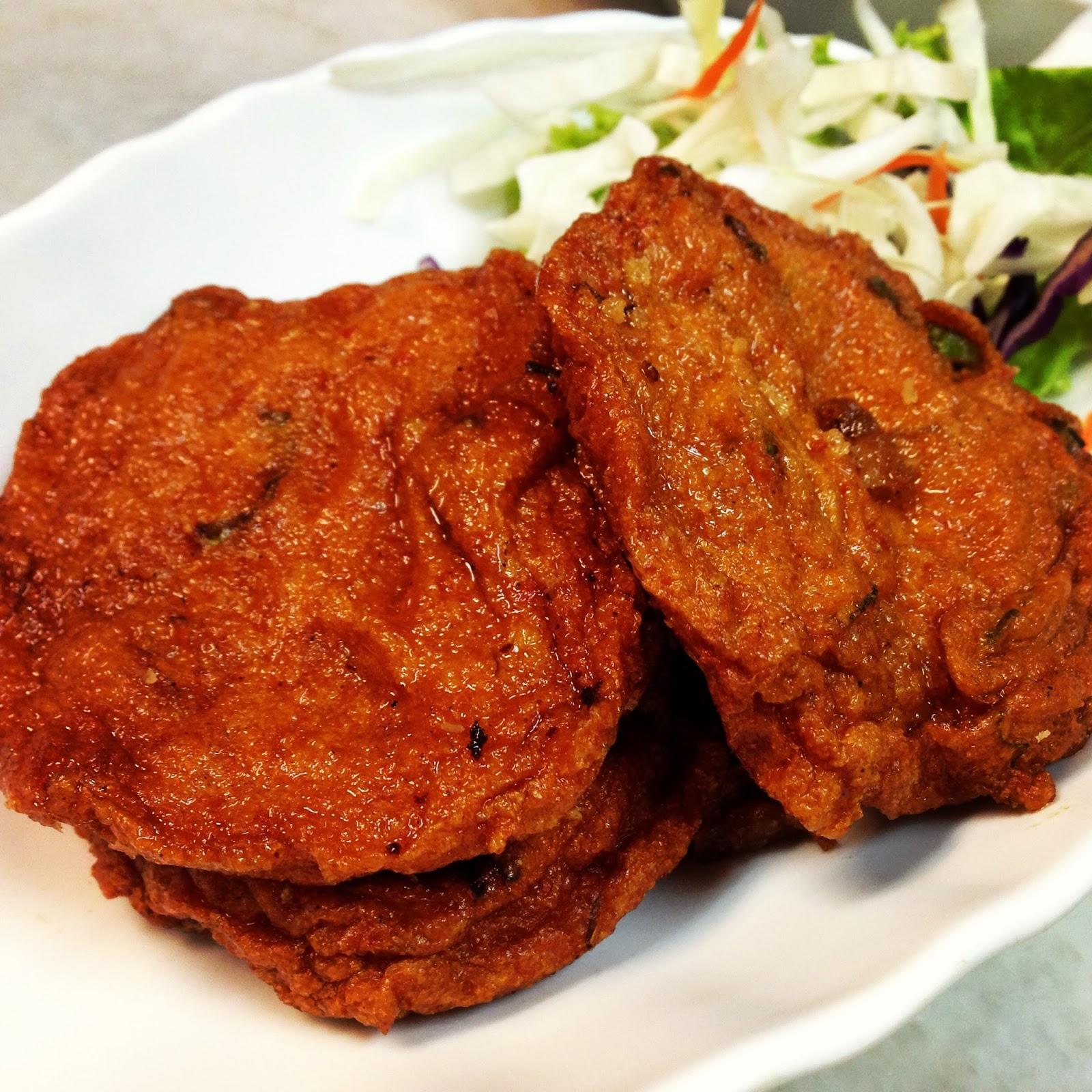 Tataro eats diandin leluk singapore for Deep fried fish