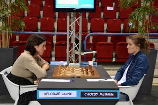 Echecs à Nancy : Laurie Delorme face à Mathilde Choisy - Photo © FFE