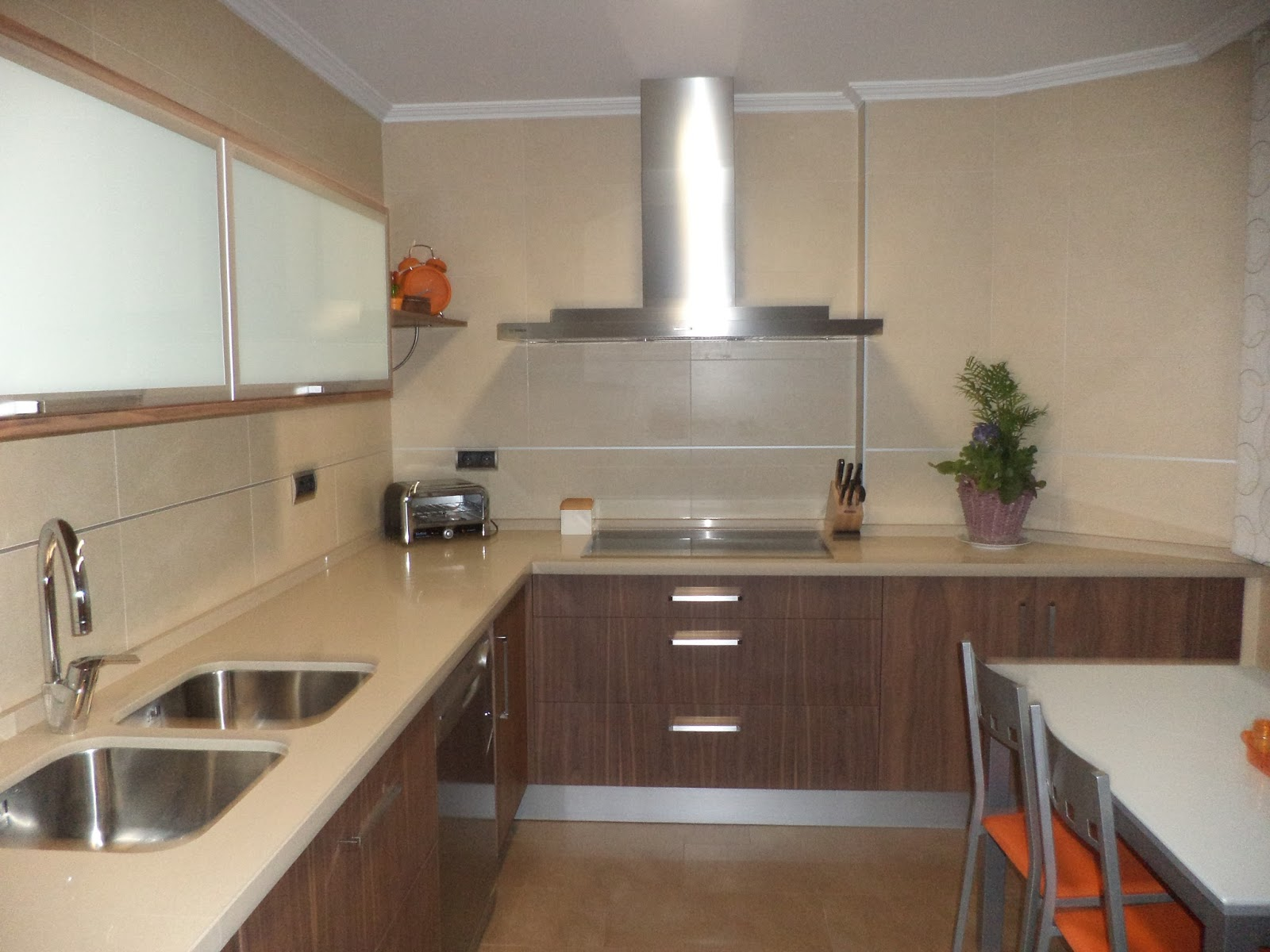 Muebles sevilla barbero 1 cocina en chapa natural de for Cocinas sevilla