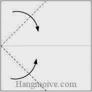 Bước 2: Gấp hai góc tờ giấy vào trong.
