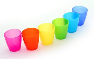 صور الوان للتصميم 2017 صور ملونه للتصميم 2017 صور علبه الوان للتصميم 2017 colorful_cups_Cups_in_rainbow_colors_001003.jpg