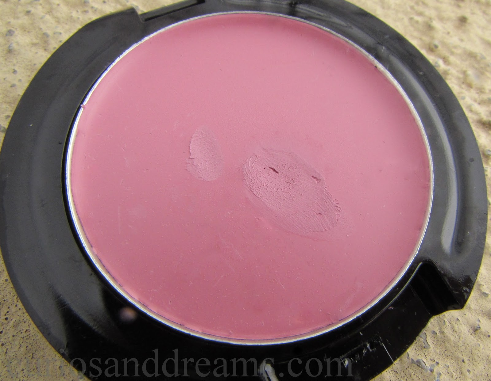 Makeup Revolution Cream Blusher review, Makeup Revolution Framboise Shake review