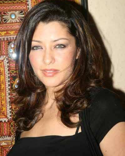 Aditi Govitrikar sexy and hot indian model 2001 photographs and images