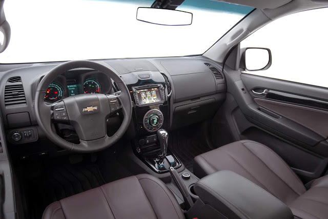 Chevrolet S-10 2016 High Country - interior