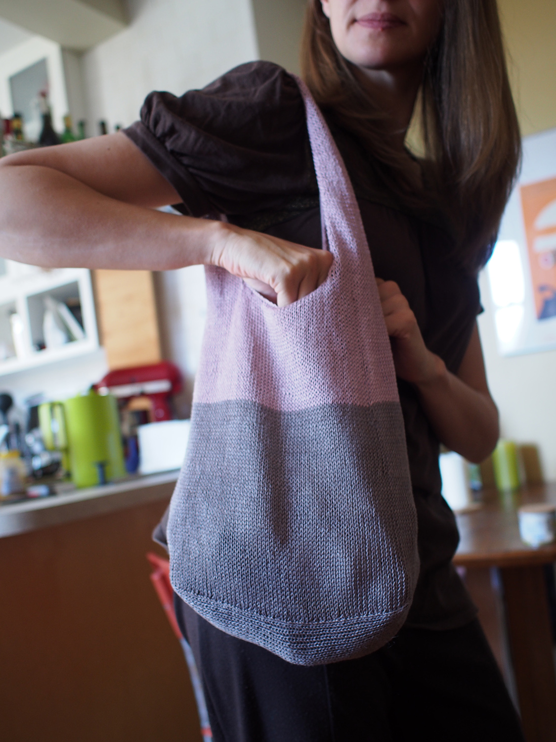 My First Knitted Bag and Man, It\'s Cute! -- Summer Fling Hobo