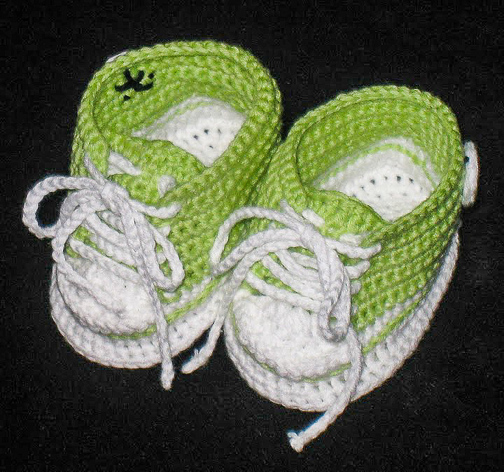 Converse Baby Booties ~ Snacksies Handicraft Corner
