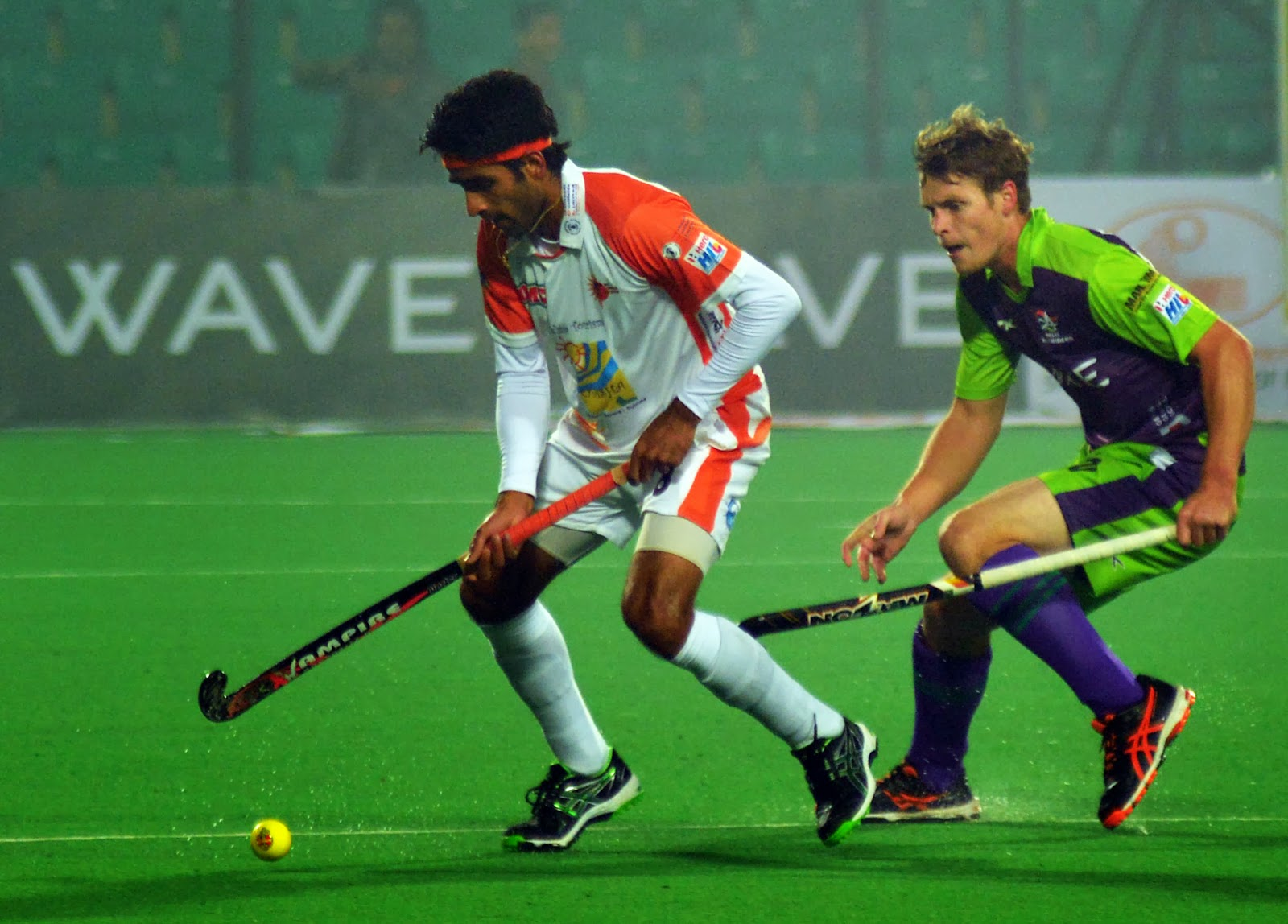 HHIL: Vikas Sharma of  Kalinga in action against DWR