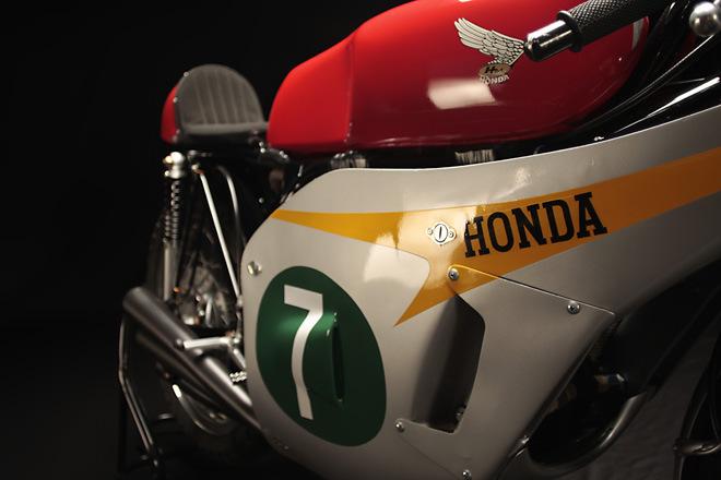 http://4.bp.blogspot.com/-GCOFpSVgZFA/UVXH_tnC5KI/AAAAAAAANJA/Qv9wWXfhSh0/s1600/Honda+RC166_4.jpg
