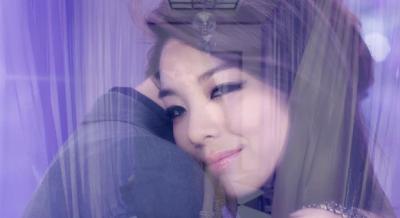 Ailee I'll Show You G.O hug