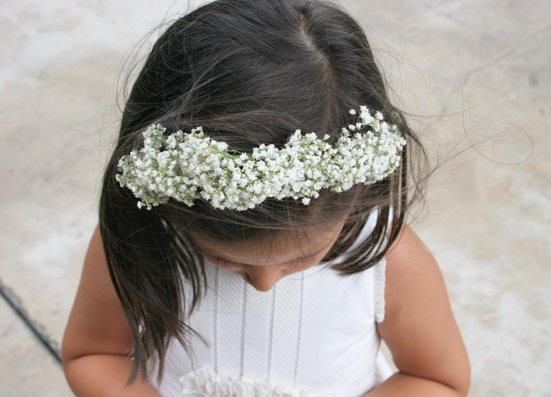 Decorar en familia - Diy diadema de paniculata para niña11