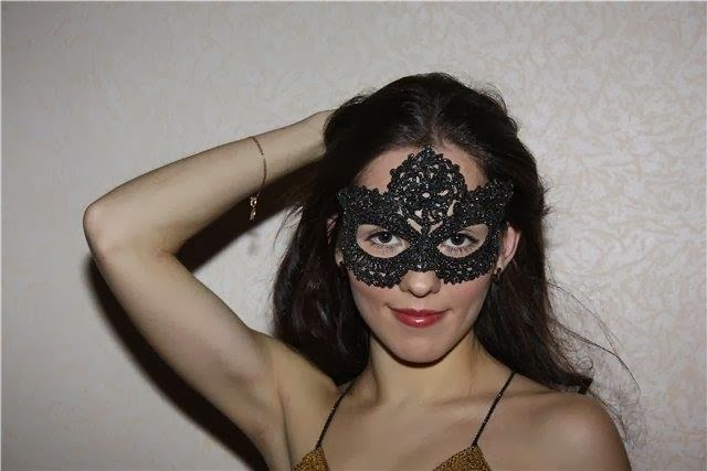 Новогодняя маска для глаз