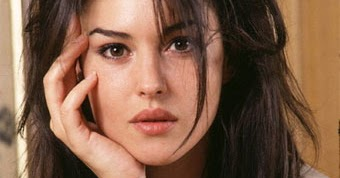 Monica Bellucci Measur...