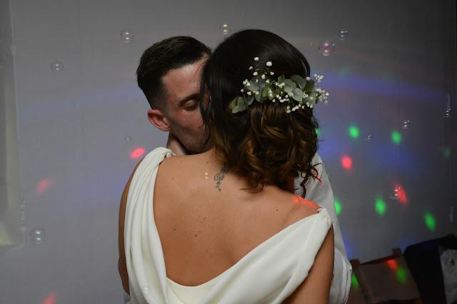 baile beso novios boda recién casados