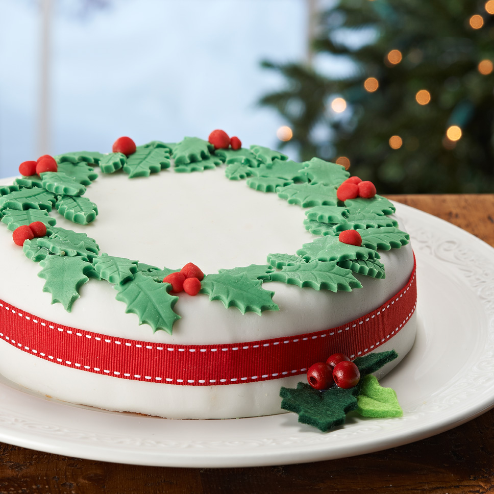Christmas Cake Decoration Holly : Holly Christmas Cake images