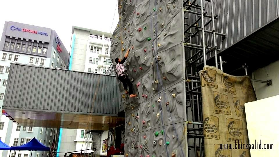 Wall climbing di UTC Pudu Sentral