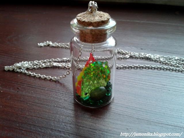 Jesienny naszyjnik z butelką