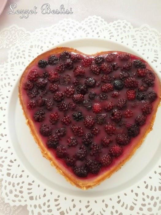 Bogurtlenli cheesecake