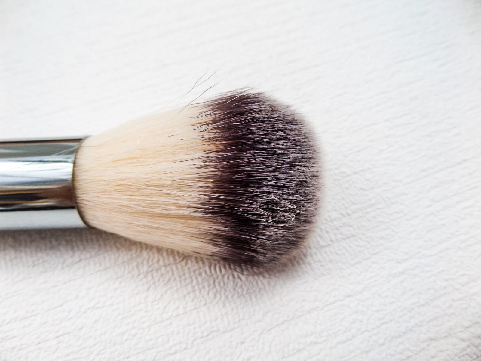 Syntho Deluxe Powder Dome (SS019) Crownbrush