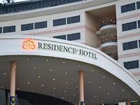 Berbuka Puasa Di Residence Hotel dan Bayar Zakat