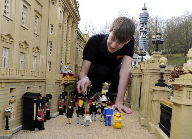 The Royal Wedding Recreated With Lego Blocks