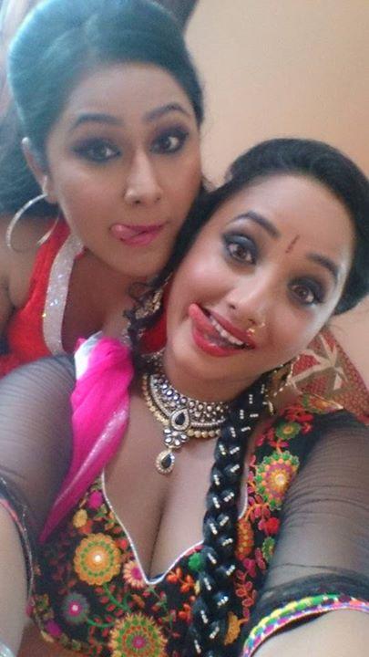 Priyanka and Rani Selfie on Set Ichhadhari, First Look Poster Shooting stills