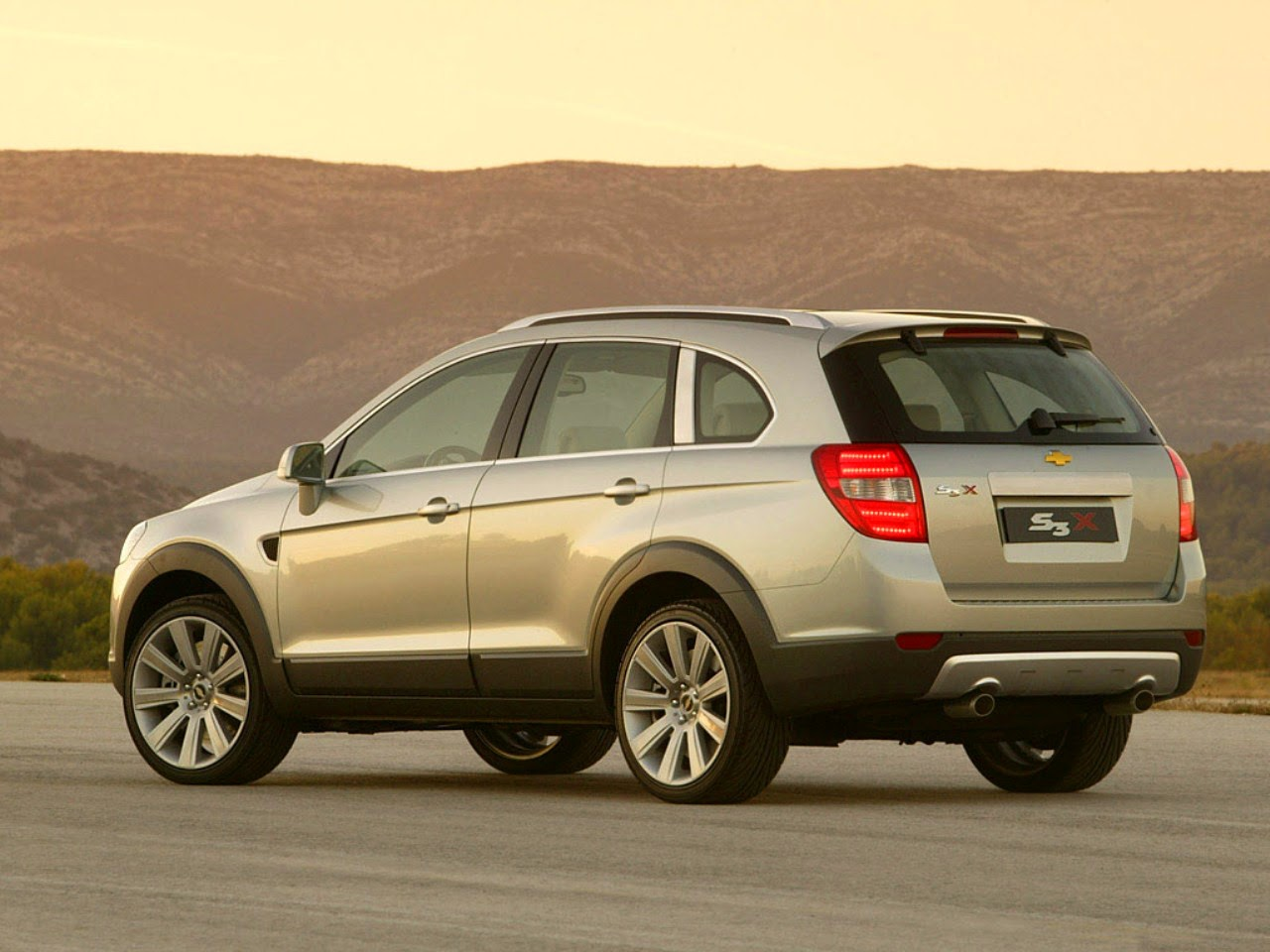 2014 chevrolet captiva car pictures 2017 2018 cars news. Cars Review. Best American Auto & Cars Review