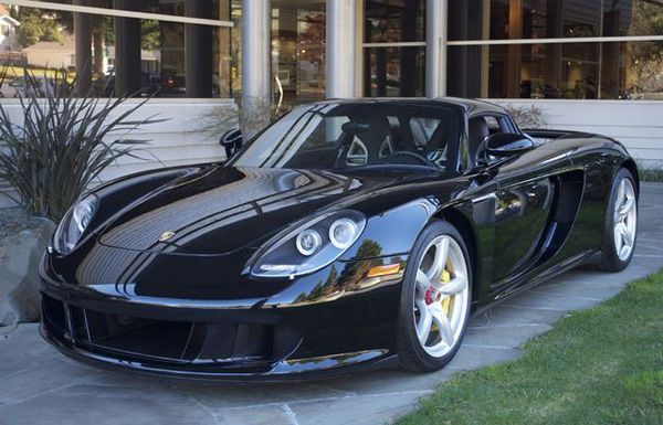Porsche car - Color: Black  // Description: elegant
