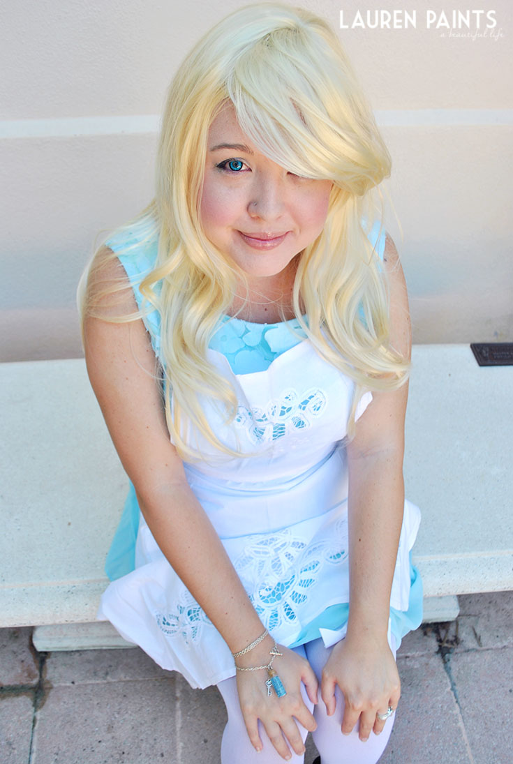 DIY Alice in Wonderland Costume