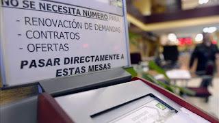 Cuatro oficinas de empleo de Zaragoza registran más parados que las provincia de Huesca o Teruel