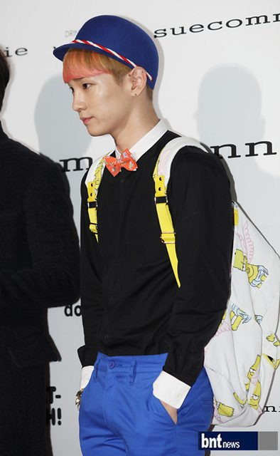 SHINee Key at Seoul Fashion Week Suecomma Bonnie show 121025.