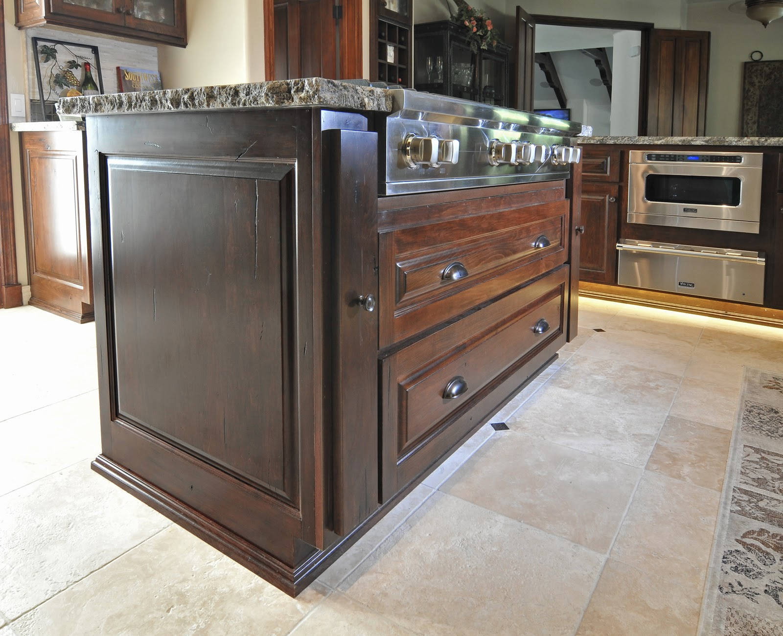 Kitchen Island with Pull Out Drawers
