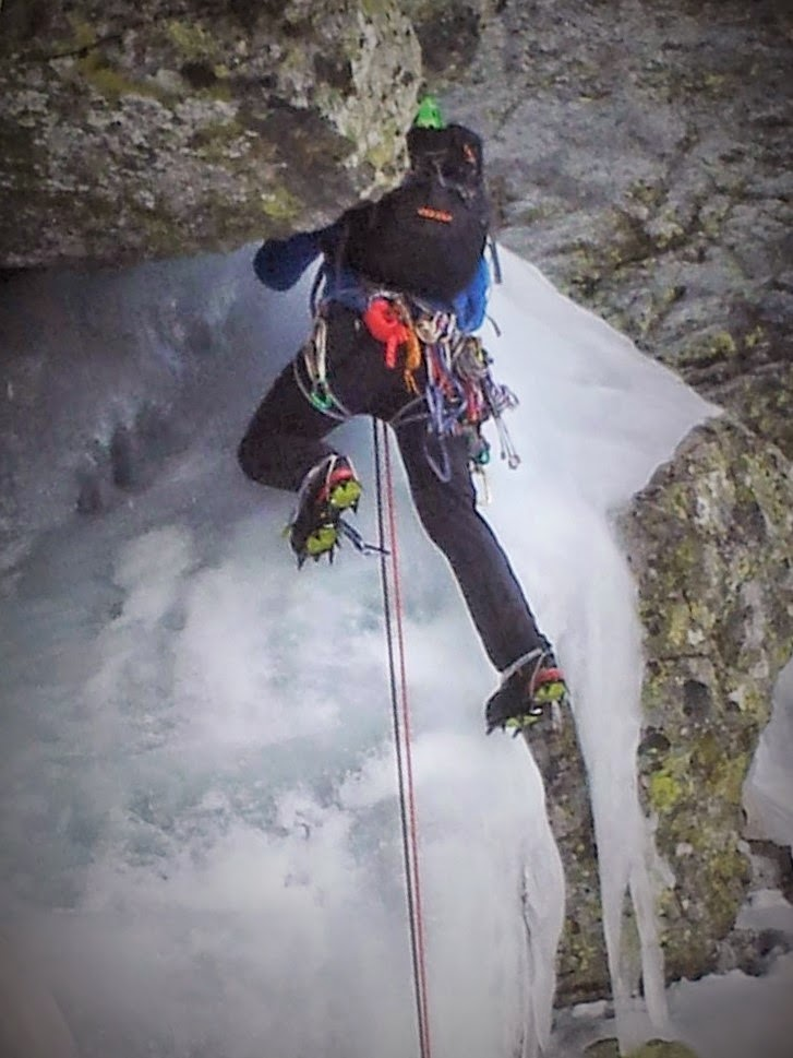 Fernando Calvo Guia de alta montaña , cassin , camp , rab , kayland