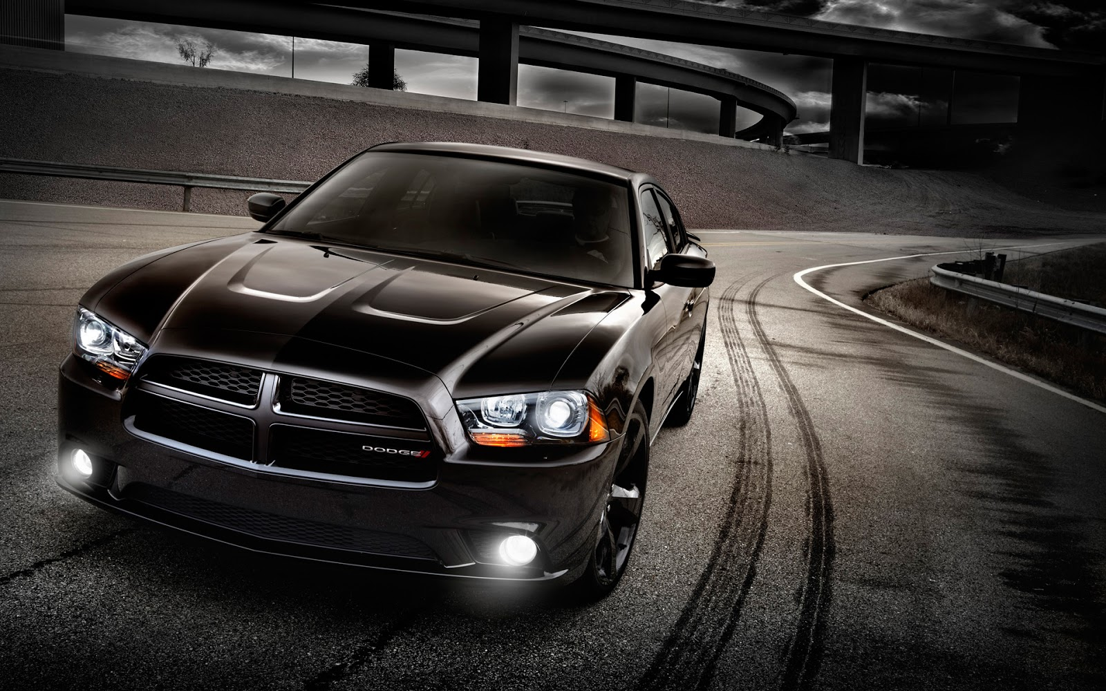http://4.bp.blogspot.com/-GFrVvqEjNqM/UV3XvBdwwmI/AAAAAAAANYA/3nPT-Id4uoA/s1600/2012+Dodge+Charger+RT+Wallpapers4.jpg