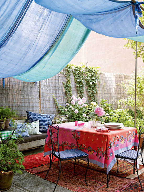 Colorful backyard by Deby Treloar for Decorate by Holly Becker and Joanna Copestick