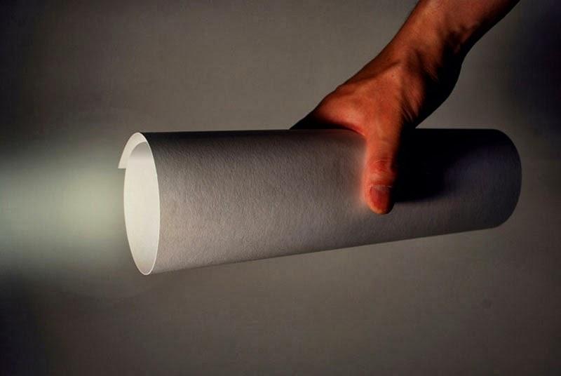 Antorcha LED de papel creada por Kazuhiro Yamanaka