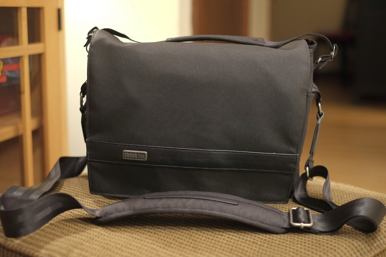 Think Tank Urban Approach 10 Review - Camera bag ~ Crossover Day ...