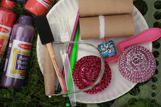 butcher paper michaels Butcher-roll paper is an economical thickness for drawing with markers, crayons, pencils, chalk, collage projects, and some paints use for desk covers, wrapping.