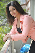 Poonam Bajwa latest sizzling photos-thumbnail-14