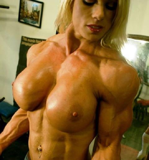 Mujer Terriblemente Musculosa