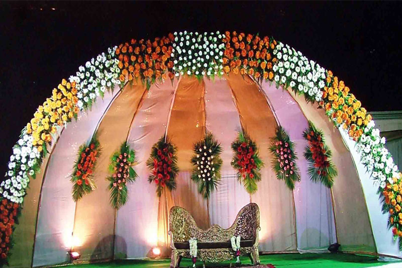 Beautiful wedding set up wedding bells New flower decoration