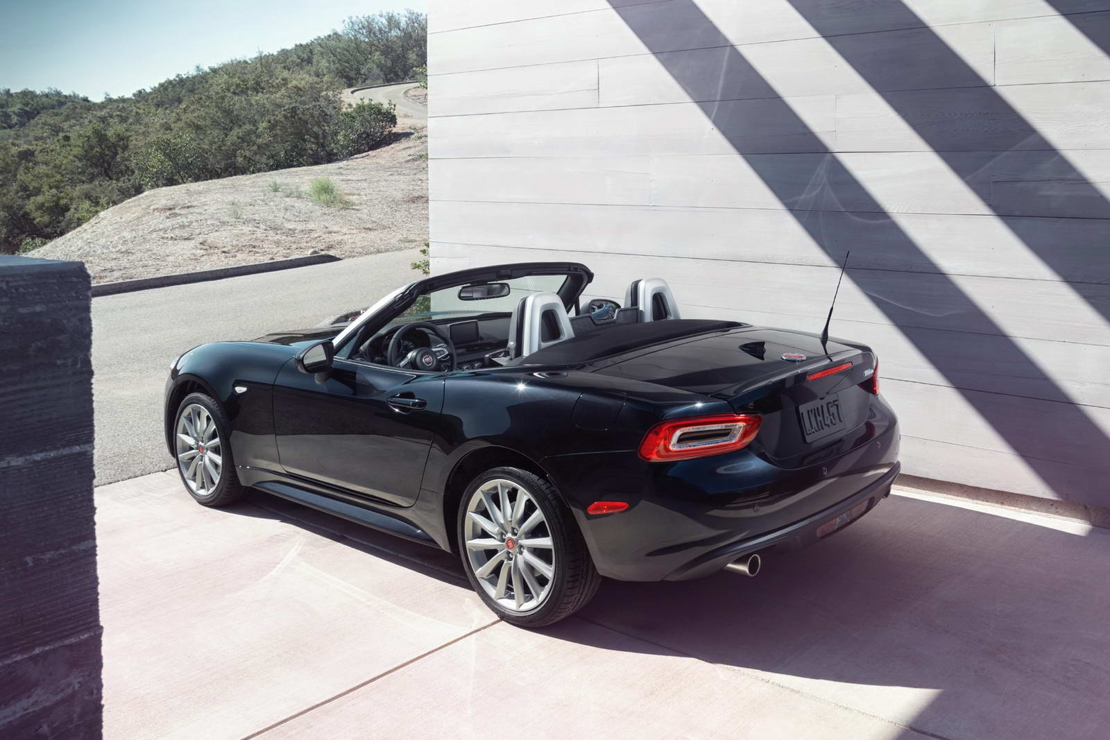 fiat 124 spider finally breaks cover. Black Bedroom Furniture Sets. Home Design Ideas