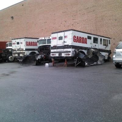 garda-cash-logistic-broken-down-trucks.j