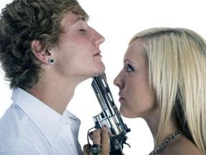 5 Types Of Freaks You Shouldn't Date - woman hate man - kill - gun
