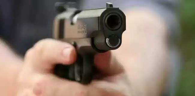 Πυροβολισμοί και τραυματίες έξω από σχολείο στην Ομόνοια που έχει καταληφθεί από «πρόσφυγες»