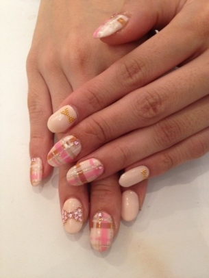 Stylish-Nail-Art-Ideas-for-Fall-2012-4