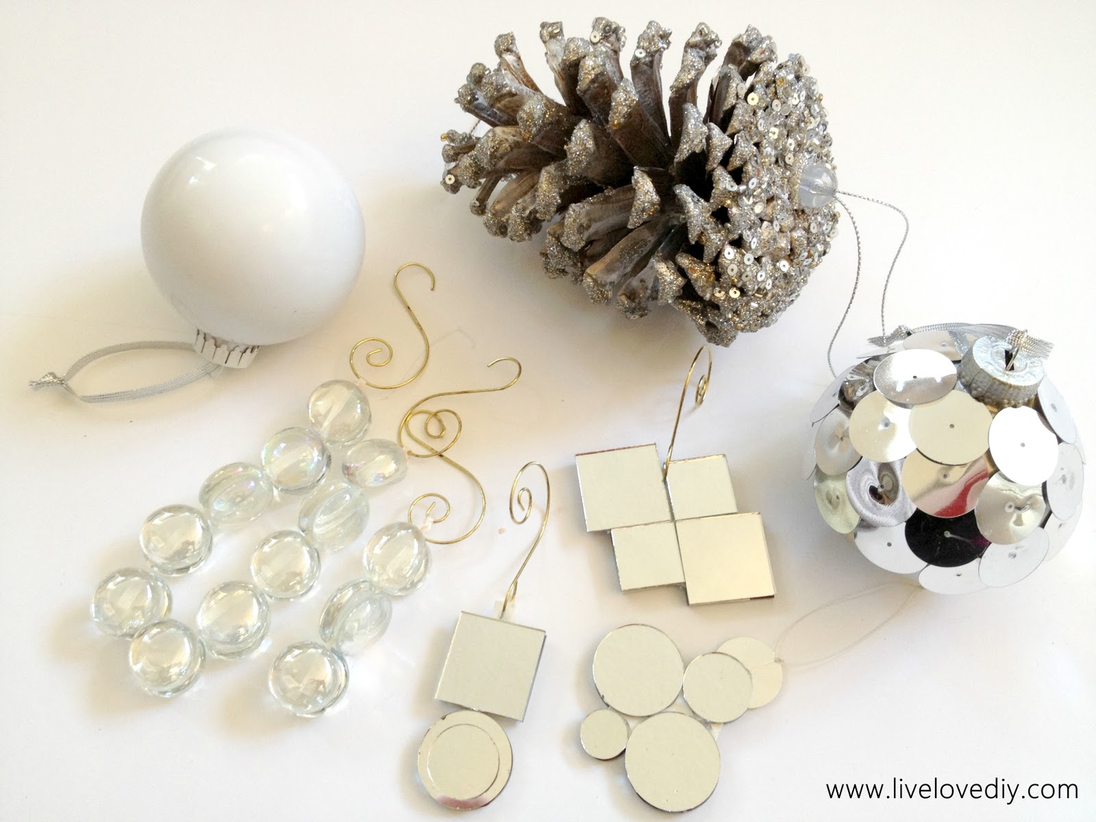 LiveLoveDIY: DIY Christmas Ornaments Part 2