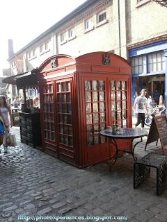 Quadruple phone box in Camden Market. Cabina telefónica cuádruple en Camden Market.