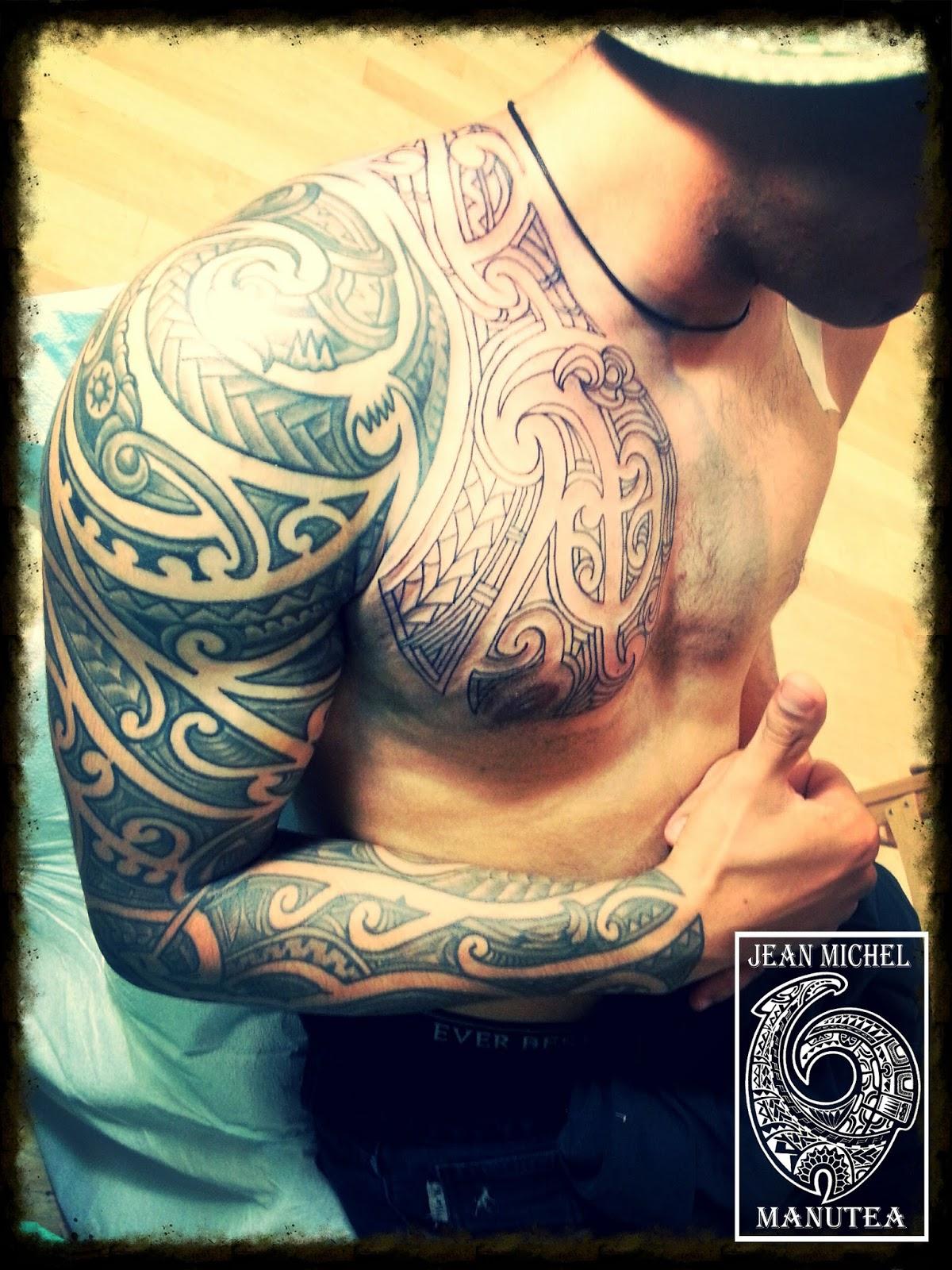 Polynésien & maori Corps en folie photos et images de  - tatouage polynesien maori