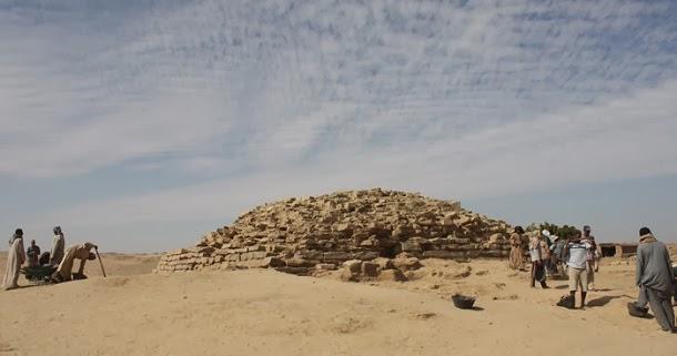 Descoberta pirâmide com 4600 anos no Egito