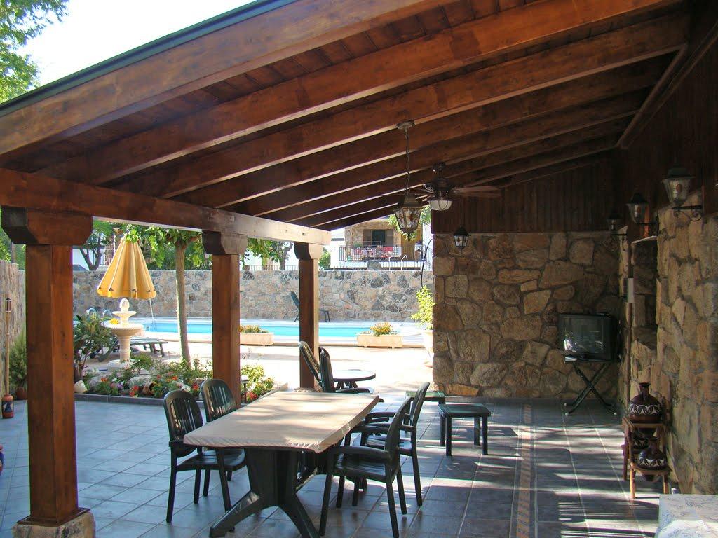 P rgolas porches cenadores de madera piscinas piscinas for Pergolas para piscinas